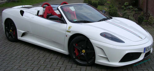 F430 M16 Spider in weiß