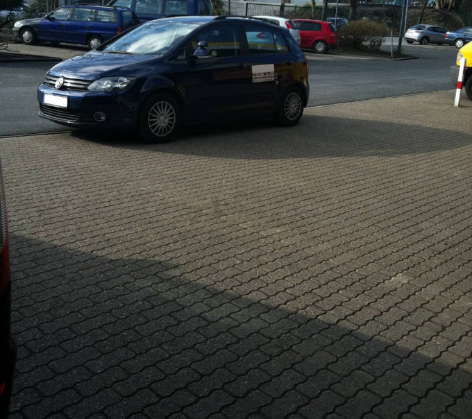 Fahrschule zum parken üben